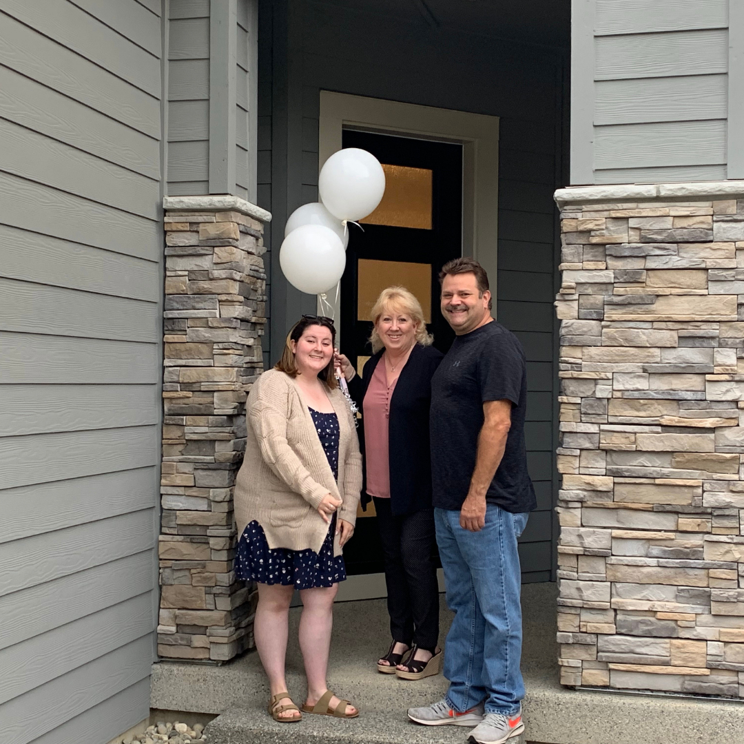 Pulte buyers photo for website-Marlene Rouleau best real estate agent Snohomish